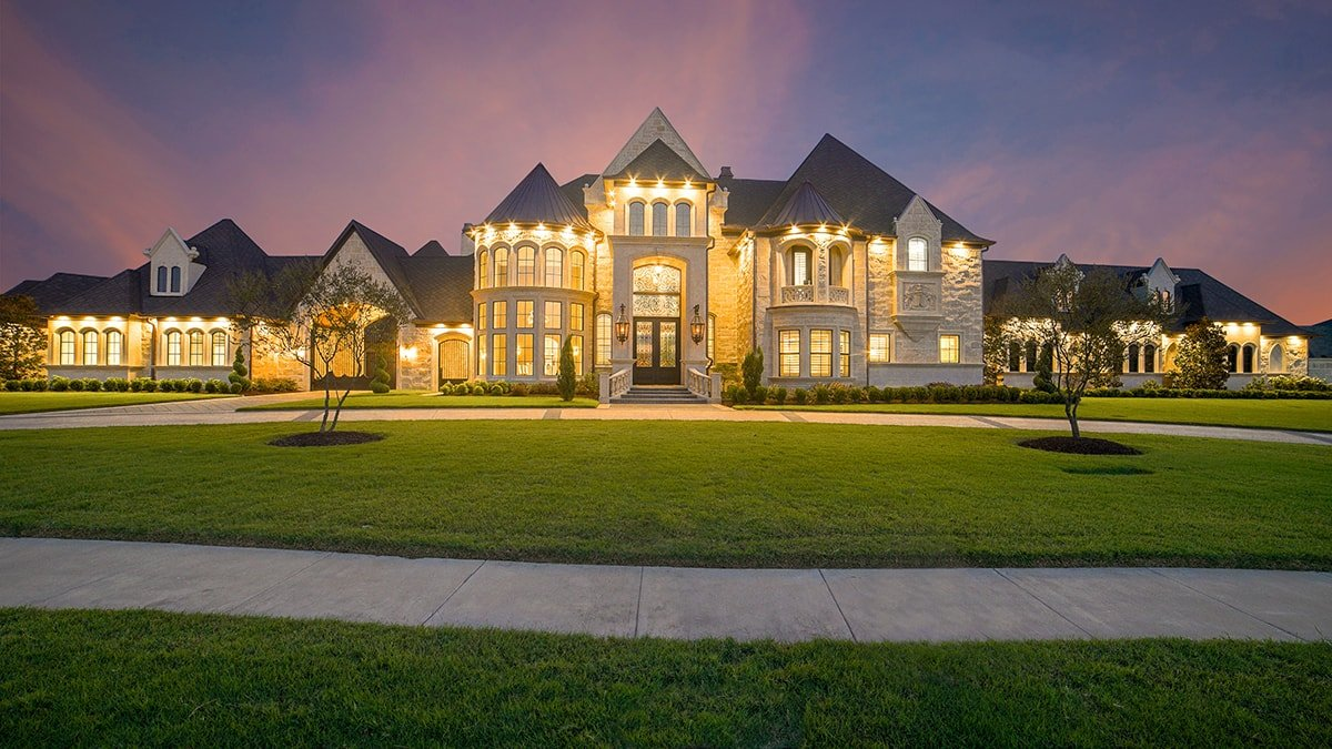 Luxurious giant home
