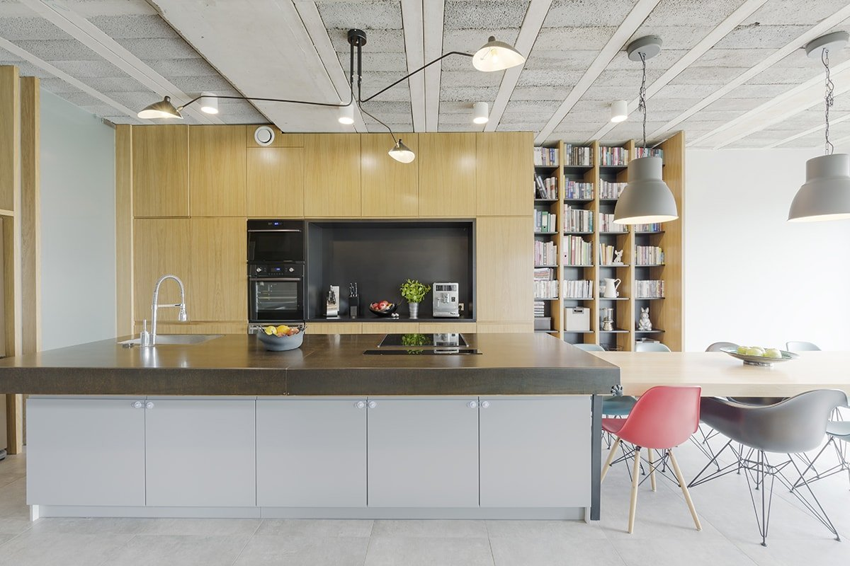 Modern kitchen with shelves
