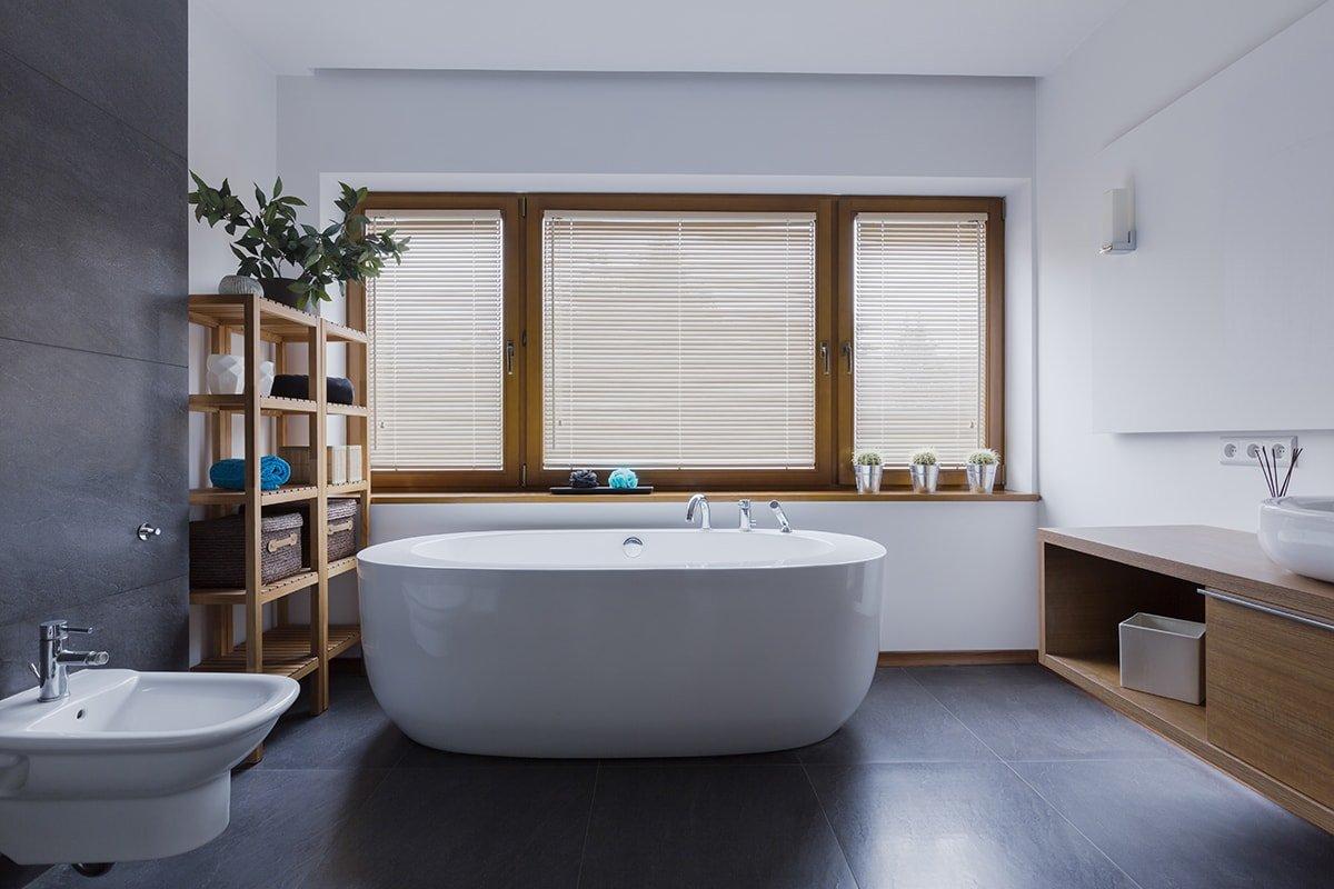 Wood blinds in bathroom