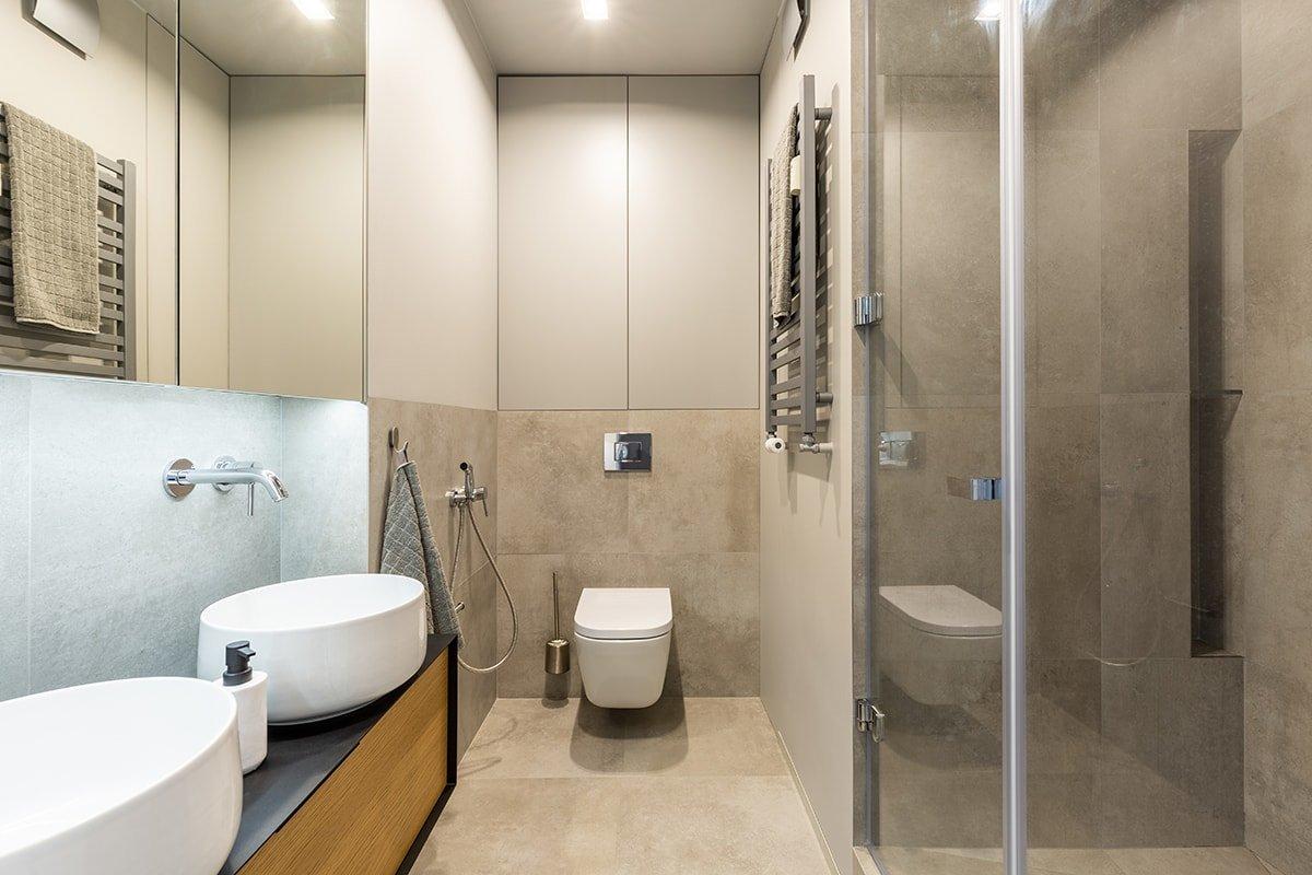 Warm and bright bathroom
