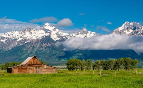 Beautiful ranch in front of mountains