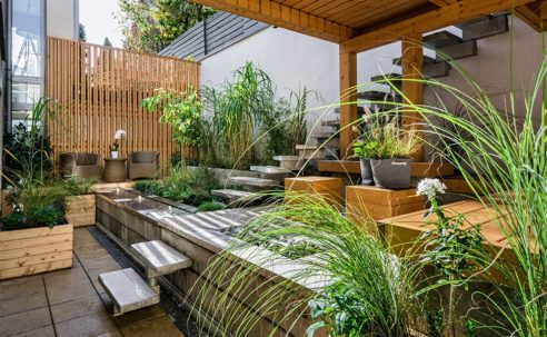 Beautifully staged backyard